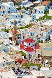 Церковь и дома в lindos, rhodes, Греции стоковая фотография