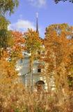 Церковь и золотая осень Стоковые Изображения