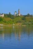 Церковь Илии пророк на скачком банке реки Oka в городе Kasimov, России Стоковые Изображения
