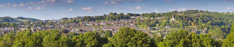 Церковь и идилличное сельское, Cotswolds Великобритания Стоковое Изображение RF
