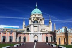 Церковь и парламент Nikolai Потсдам, Германия - 17 04 2016 Стоковая Фотография