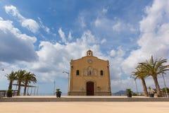 Церковь Кармен del Ermita de Nuestra Senora в Ла Isla Plana Мурсии Испании деревня побережья стоковые изображения rf