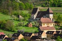 Церковь-крепость от деревни конематки Copsa Стоковое Фото