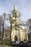 Церковь лютеранина Katerina Святого евангелистская в Kuldiga Латвии Стоковая Фотография