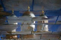 Церковь Москвы Кремля абстрактная вода отражения Фото цвета Стоковое Изображение RF