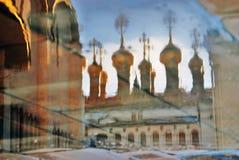Церковь Москвы Кремля абстрактная вода отражения Фото цвета Стоковая Фотография