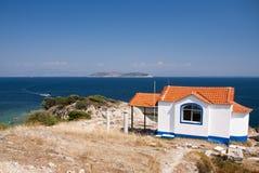 церковь над взглядом моря Стоковая Фотография