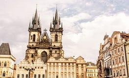 Церковь нашей дамы перед Tyn в Праге, желтом фильтре Стоковое Изображение RF