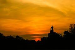 Церковь на заходе солнца. Suzdal. Стоковые Изображения RF