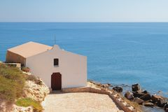 Церковь на морском побережье Порту-Torres, Италии Стоковая Фотография