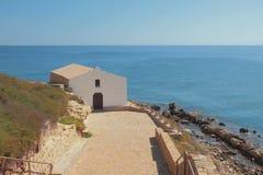 Церковь на морском побережье Порту-Torres, Италии Стоковое Фото