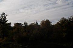 Церковь на фоне вечера, небо осени Стоковые Изображения
