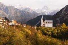 Церковь осени около Valle di Cadore, Италии Стоковая Фотография RF