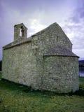 Церковь от XV века в хорватском городке Posedarje Стоковая Фотография
