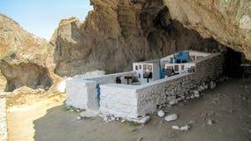 Церковь построенная в пещере Стоковая Фотография