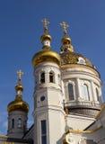 церковь придает куполообразную форму: золотистое правоверное Донецк Стоковое Фото