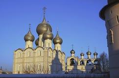 церковь придает куполообразную форму: правоверное Стоковое фото RF