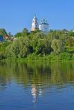 Церковь реки предположения и Oka в городе Kasimov, России Стоковая Фотография