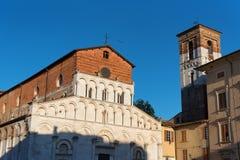 Церковь романск Santa Maria Bianca, также известная как Santa Maria Forisportam, в Лукке, Тоскана, Италия Стоковое Изображение RF