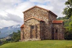 Церковь Санты Cristina de Лены Овьедо стоковая фотография rf