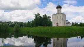 Церковь святой девственницы на реке Nerl акции видеоматериалы