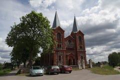 Церковь святой троицы в деревне положительных величин Беларуси Стоковое Фото