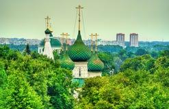 Церковь спасителя в городе в Yaroslavl, России Стоковая Фотография