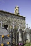 Церковь с кладбищем Стоковое Изображение