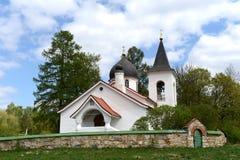 Церковь троицы в деревне Byokhovo построенном в 1906 на проекте v Polenov Стоковые Фотографии RF