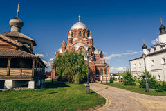 Церковь утехи Theotokos всех которые скорба в Город-острове Sviyazhsk стоковое изображение rf