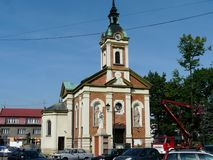 Церковь KALWARIA ZEBRZYDOWSKA в центре города [rynek] в Kalwaria Zebrzydowska стоковое изображение