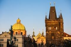 Церковь Karlskirche St Charles вечером в Вене, Австрии стоковые фотографии rf