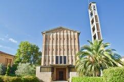 Церковь Michelucci Ла Vergine St Mary с садом в Пистойя, Тоскане Италии стоковое изображение