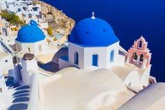 Церковь Oia, остров Santorini, Киклады, Греция Стоковые Фото