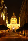 Церковь St. Стефан в Будапешт на ноче Стоковое фото RF