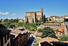 Церковь St Dominic также известная как St Катрин в Сиене, Италии стоковые изображения rf
