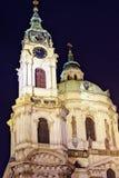 Церковь St Nicholas на ноче с теплыми светами на здании стоковое изображение rf
