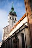 Церковь St Peter, Мюнхен, Германия стоковая фотография rf