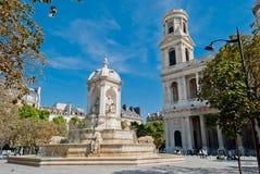Церковь St. Sulpice и фонтан, Париж стоковое изображение