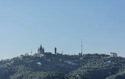 Церковь Tibidabo на горе в Барселоне, Испании стоковые изображения
