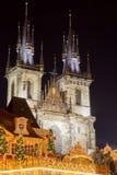 Церковь Tyn в Праге на ноче Стоковое Фото