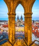 Церковь Tyn и старая городская площадь, Прага, чехия Стоковое Изображение RF
