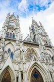Церковь Voto Nacional del базилики в Кито, эквадоре Стоковые Фото