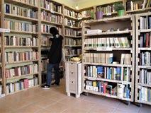 Цикл книги в Риме, Италии стоковая фотография