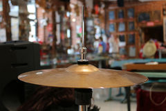 Цимбалы барабанчика запачкали предпосылку Стоковые Фотографии RF