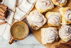 Циннамон и сливк Cinnabon для чая Стоковое Изображение RF