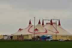 Цирк приходит к городку Лондона стоковая фотография