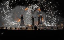 Цирк Walkea огня - 360 Стоковое Изображение RF
