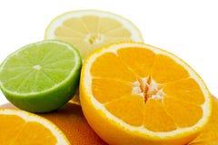 цитрусовые фрукты предпосылки изолировали белизну стоковое фото