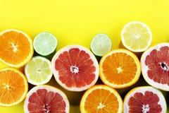 Цитрусовые фрукты с апельсином, лимоном, грейпфрутом и известкой Стоковое Изображение